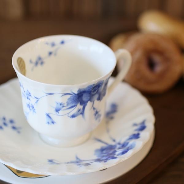 画像1: ノリタケ studio collection スタジオコレクション カップ&ソーサー 青い花柄 未使用品(を1717)