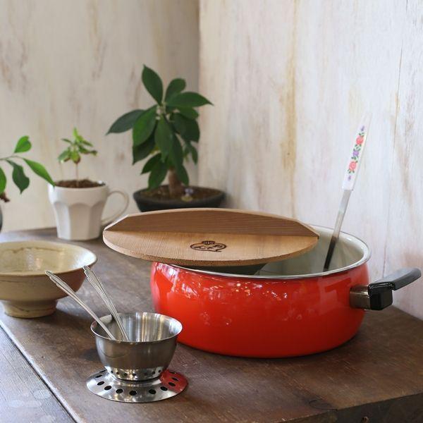 画像1: レトロ おでん鍋 丸 赤 中仕切り付き 玉杓子&湯豆腐フォーク2本&受け皿セット 未使用品(M2 3101)