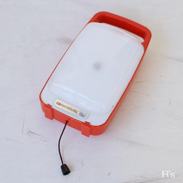画像1: FUJI レトロ 非常用ランタン 置・掛ライト NE-141 NOVEL 振動センサー付き 赤 ユーズド品(も4804)