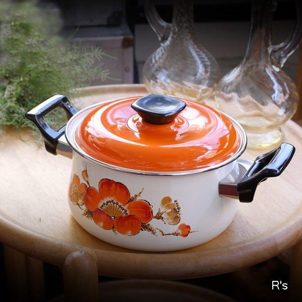 画像1: レトロ ホーロー両手鍋 20cm オレンジ花柄 未使用品(LL5345)